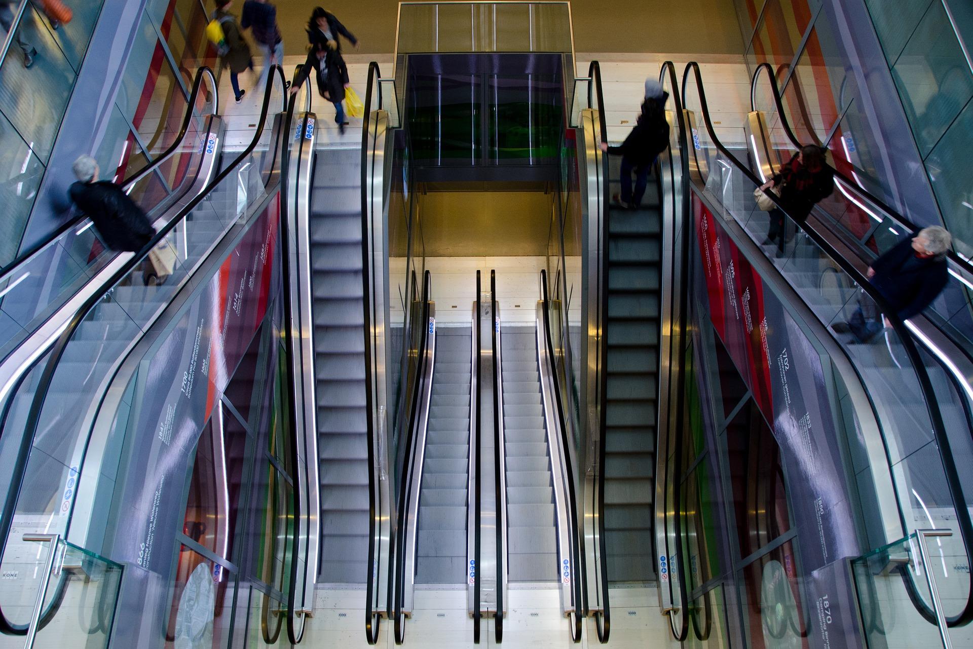 escalator-711793_1920